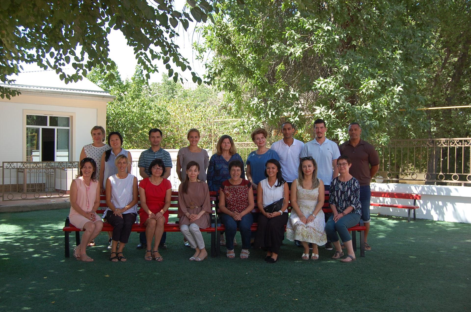 les enseignants de l'école française de Tachkent